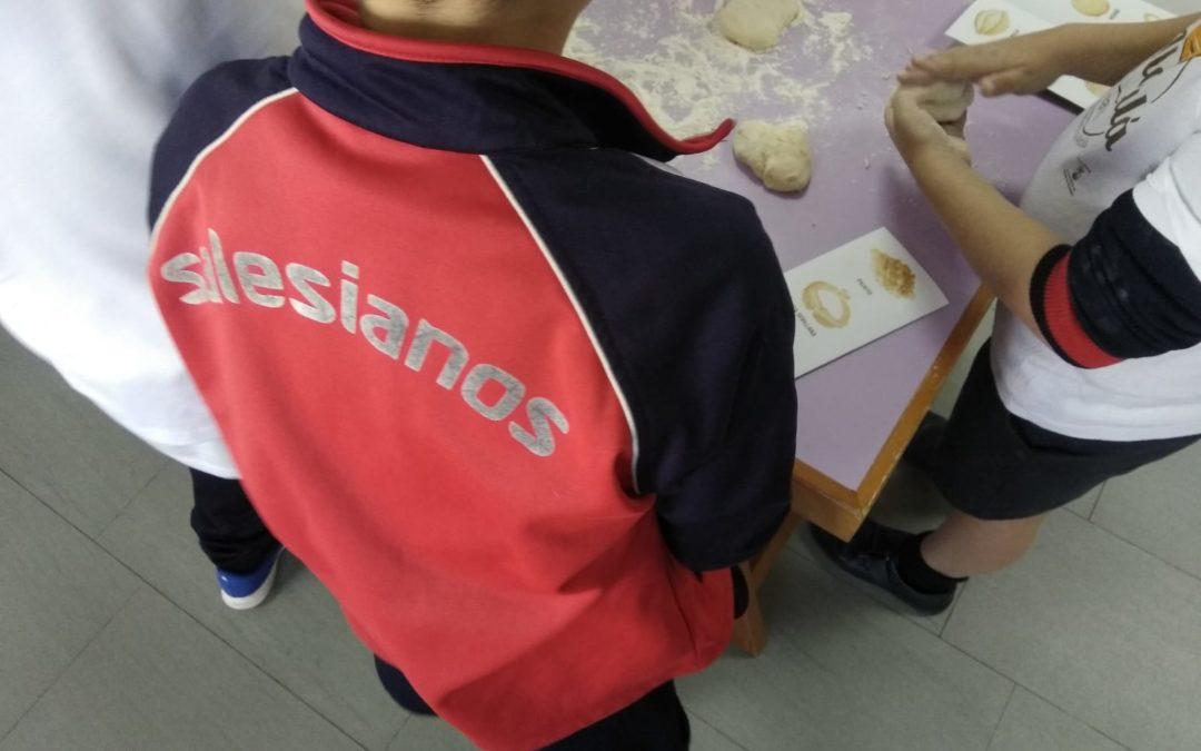 Nuestros alumnos aprenden hacer pan