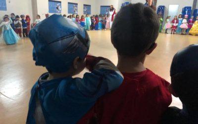Fiesta de carnaval para los jóvenes de Educación Infantil